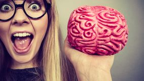 Dziwny kobiety mienia mózg ma pomysł zdjęcie royalty free