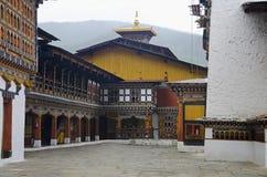 Dzong Rinpung Большие монастырь и крепость Drukpa Kagyu буддийский Внутренний взгляд Paro стоковые изображения