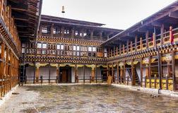 Dzongen av jakar, Bhutan Arkivbild