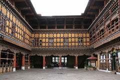 Dzongen av Paro, Bhutan, byggdes med trä Arkivbilder