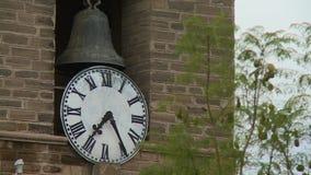 Dzwon i zegar w ostrości zbiory