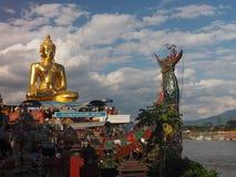 Dzwoniący Luang Chalerm Phrakiat, Złoty trójbok Zdjęcie Royalty Free