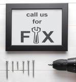Dzwoni my dla dylemata mechanika usługa plakata dla biznesu fotografia royalty free