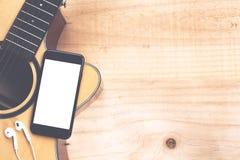 Dzwoni pokazywać ekran na gitara odgórnego widoku muzyki pojęciu Zdjęcie Royalty Free