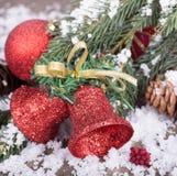 dzwonkowi boże narodzenia ornamentują czerwień Fotografia Royalty Free