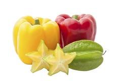 Dzwonkowy pieprz i gwiazdowe owoc odizolowywający na bielu Fotografia Stock