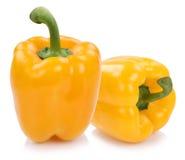 Dzwonkowy pieprz pieprzy papryk papryki żółty warzywo odizolowywający o Obraz Royalty Free