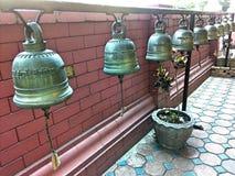 dzwonkowy potrząśnięcie dla wiary religii zdjęcia stock