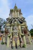 Dzwonkowy wierza antyk przy Watem Phraya Tham Worawihan obrazy royalty free