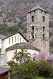 Dzwonkowy wierza kościół w mieście los angeles Vella w Andorra Zdjęcia Royalty Free
