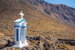 Dzwonkowy wierza ortodoksyjny kościół przy Loutro, Chania, Crete Obrazy Royalty Free