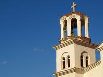 Dzwonkowy wierza St Paraskevi kościół w Paralia Katerinis, Grecja Obrazy Royalty Free