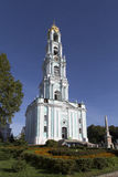 Dzwonkowy wierza w Sam sergei opactwie, federacja rosyjska Zdjęcie Royalty Free