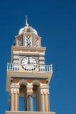 Dzwonnica przy niebieskim niebem na Santorini wyspie Zdjęcie Stock