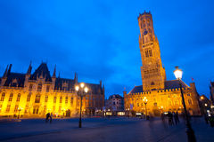 dzwonnicy Brugge gmachu sądu grote markt zmierzch Fotografia Royalty Free