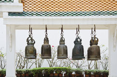 Dzwony przy tajlandzką świątynią Zdjęcie Royalty Free
