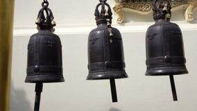 Dzwony Rusza się Przy Buddyjską świątynią zbiory wideo