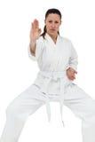 Żeńska myśliwska spełnianie karate postawa zdjęcia royalty free