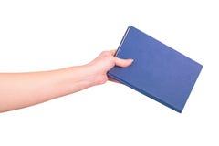 Żeńska ręka trzyma książkę obrazy royalty free