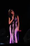 Żeński artysta muzyka kobieta - piosenkarz - Żyje koncert - Fotografia Royalty Free