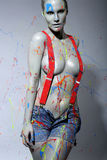 Żeński Domowy malarz Splattered z Lateksową farbą Fotografia Royalty Free