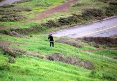 Żeński działający daleko od Fotografia Royalty Free