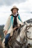 Żeński kowboj na konia plecy Obraz Stock