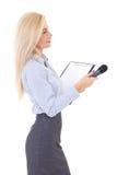 Żeński reporter z mikrofonem i schowkiem odizolowywającymi na bielu Fotografia Stock