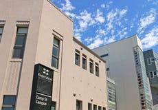E阵营Ballarat的联盟大学街道校园,新和历史大厦,房子的混合艺术学院 免版税库存图片