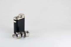 E香烟或vaping的设备 与坦克的Mod 免版税库存照片