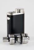 E香烟或vaping的设备 黑色和钢 库存图片