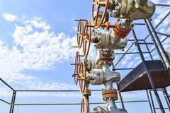 E Équipement de tête de puits de puits de pétrole Production de pétrole Wells dans Kuban Extraction des hydrocarbures photo stock