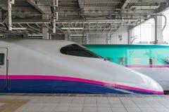 E2 τραίνο σφαιρών σειράς (μεγάλη ταχύτητα, Shinkansen) Στοκ Εικόνα