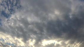 E Быстроподвижные дождевые облака сток-видео
