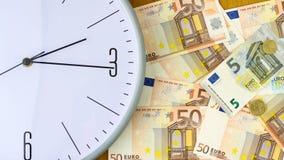 E Время принципиальной схемы деньги над взглядом Дело, финансы Стоковое Изображение RF