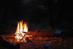 E Пламена огня на bight лета стоковые изображения rf