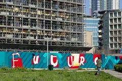 ?? E 2019?3?21? 一个现代大厦的建筑的工地工作 免版税图库摄影