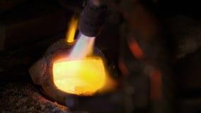 E 可贵的金属制品制造的工作场所  熔铸的商店 股票录像