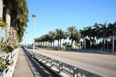 e 黏土萧伯纳吊桥俯视的口岸沼泽地在劳德代尔堡,佛罗里达 免版税库存图片