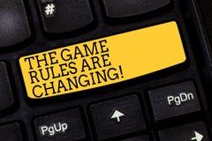 E 在建立的竞争协议键盘上的概念性照片变化 免版税库存照片