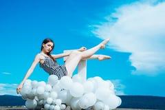 E 妇女方式纵向 启发和想象力 E 图库摄影