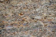 ?? E 层数和镇压在水成岩在岩石 库存照片
