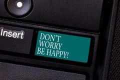 E 快乐概念性的照片是正面轻松的被启发的有动机的键盘键 库存照片