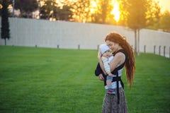 E 母性喜悦的概念  免版税库存照片