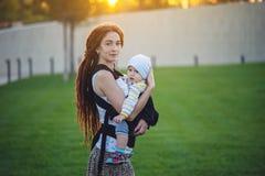 E 母性喜悦的概念  库存图片