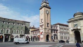 E 纪念塔或托尔dei Caduti用位于市中心的意大利语 股票视频