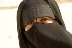 donna musulmana con il burka Fotografie Stock