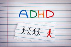 E Abkürzung ADHD auf Notizbuchblatt Stockfoto