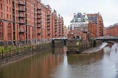 E Armazém do porto em Hamburgo Imagens de Stock Royalty Free