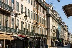 E Augusta Street den mest berömda Lissabon gatan arkivfoto